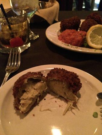 Daniella's Steakhouse: Crab stuffed artichoke hearts