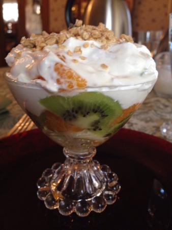 Hollerstown Hill: One of my favorite breakfast so far!! Parfaits!! Yums!