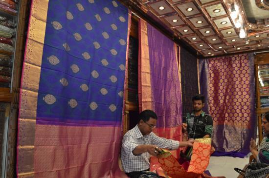 Upscale Saree Shop, New Market