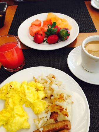 Hilton Northbrook: Breakfast Buffet