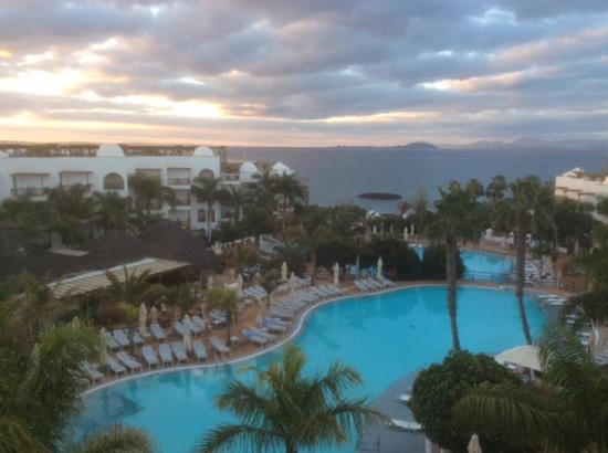 Princesa Yaiza Suite Hotel Resort: Our view from our balcony
