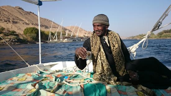 Aswan Individual - Daily Tour : Unser Kapitän - relaxt und gut drauf