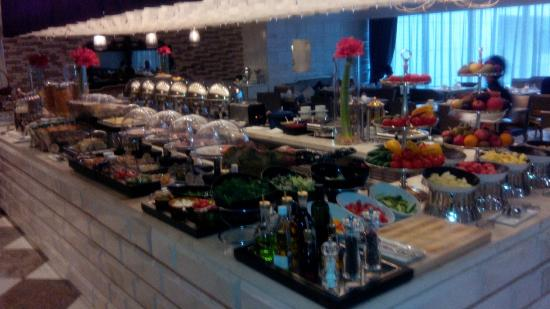 Lotte Hotel Moscow: Grand Breakfast every morning