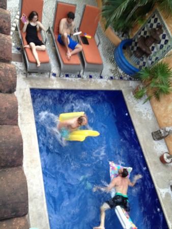 Quinta Camelinas: pool party