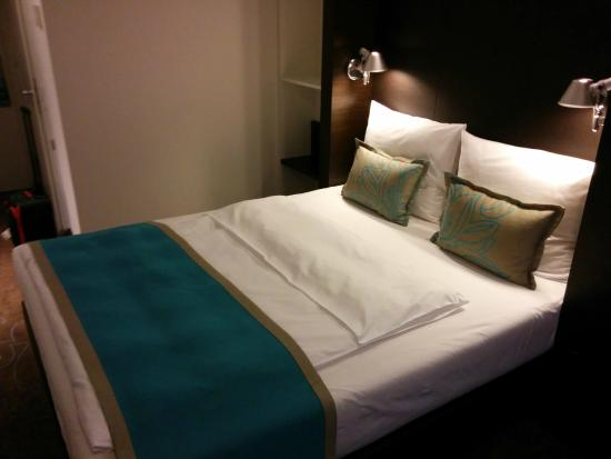 recepci n y zona bar bild von motel one bremen bremen tripadvisor. Black Bedroom Furniture Sets. Home Design Ideas