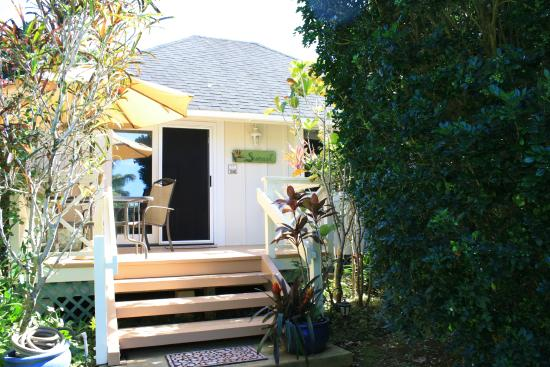 Aloha Cottages : Beautiful, well-maintained, a secluded treasure!