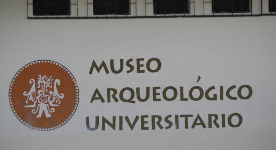 Museo de Esqueletologia: To find the museum, look hard for this sign