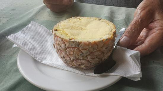 Titi's: Pineapple ice cream