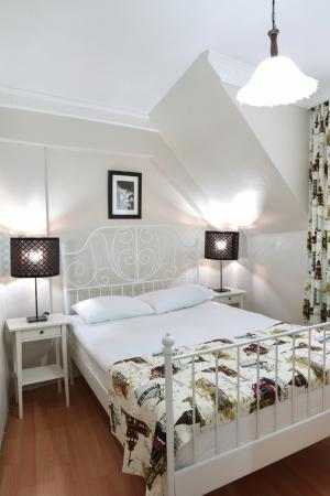 Ekim Apartments: Bedroom