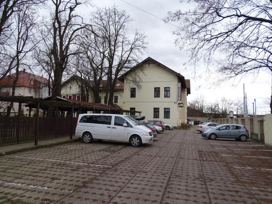 Hotel Branik: парковка
