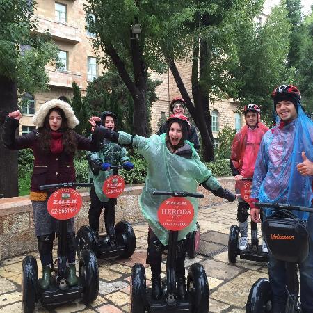 Zu-Zu Segway Tours: Segway tour in the rain Amazing experience!