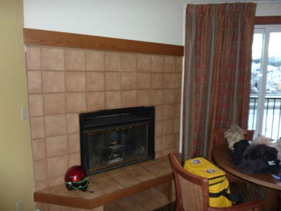 Days Inn Silverthorne: gas fireplace