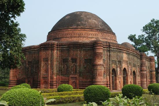 Ruins of Gaur : lottan masjid c 1475