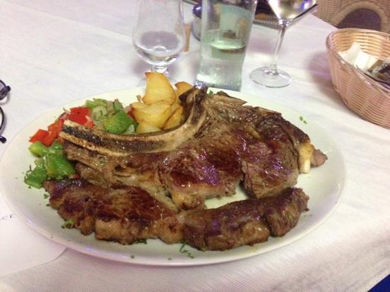 Cafe Del Mar: T-Bone Steak