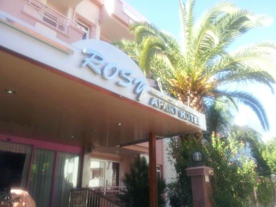 Rosy Apart Hotel : Front