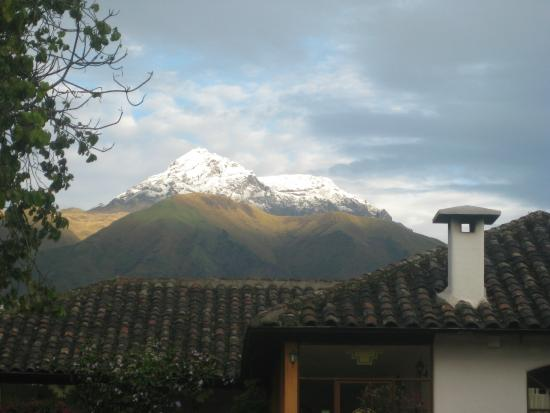 Hosteria Oro Azul: The volcano after a stormy night