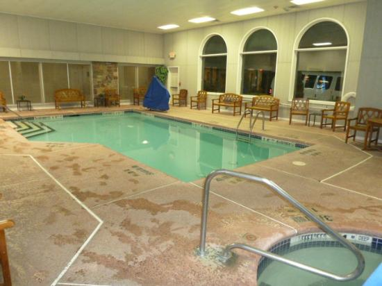 Clarion Hotel Buffalo Airport Pool And Hot Tub