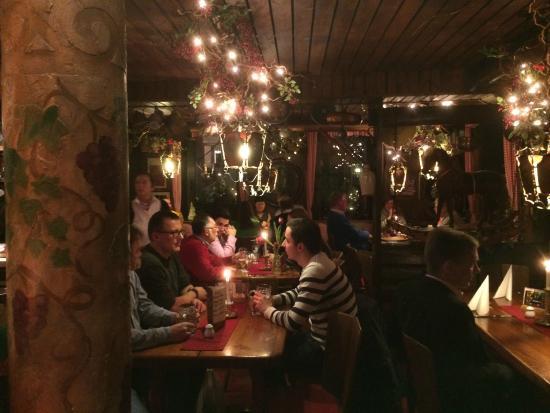 Stuttgarter Stäffele: Blick ins Lokal von der Bar aus