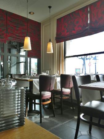 Terrace at Romantik Hotel Mont-Blanc Au Lac: Table