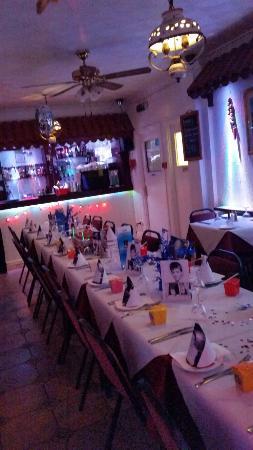 Yiamas Greek Taverna: Bar area