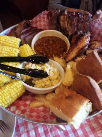 Pinedale, CA: Family platter!!!