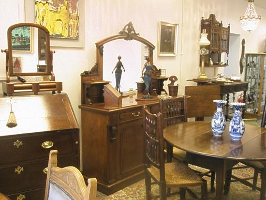 Amorini Antiques Centre