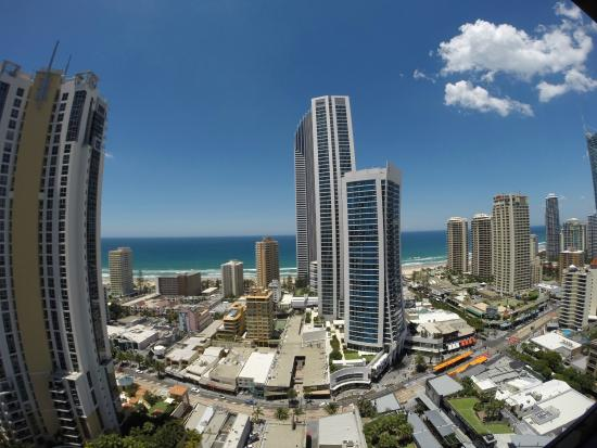 Mantra Circle on Cavill Surfers Paradise: 1 bed ocean spa room