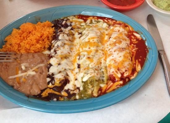 Sugar Loaf, NY: Chicken enchiladas