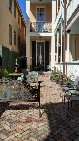 The Parisian Courtyard Inn: One of the beautiful courtyards