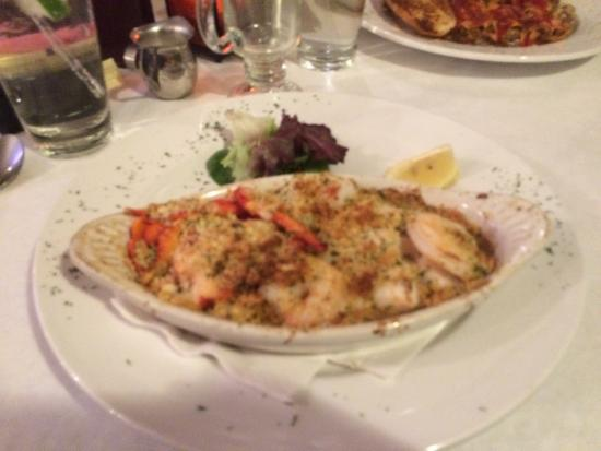 The Gas Lamp Grille: Seafood casserole. Good scallops but inedible lobster meat b