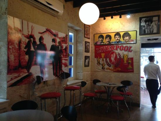 Packed house on a friday night picture of beatles bar varadero tripadvisor - Picture of bar ...