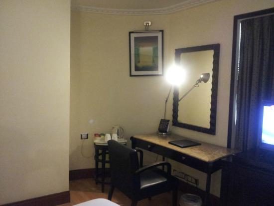 Goldfinch Hotel Bangalore : Room