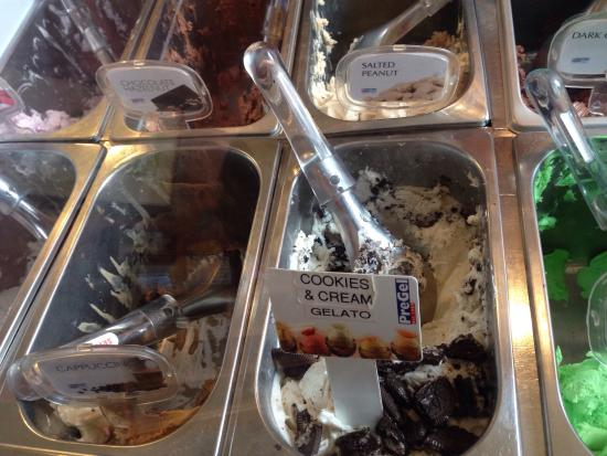 Esaan Thai Restaurant: Cookies 'n Cream Gelato