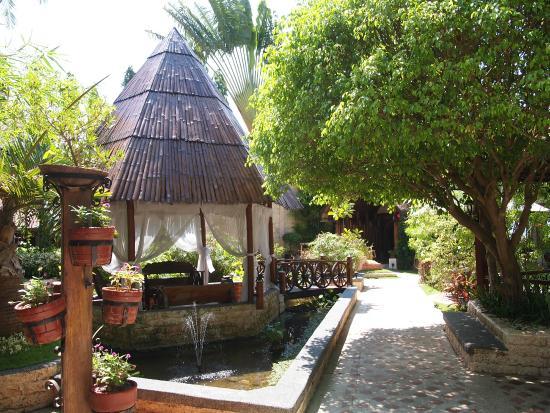 Cebu Marine Beach Resort: 敷地内