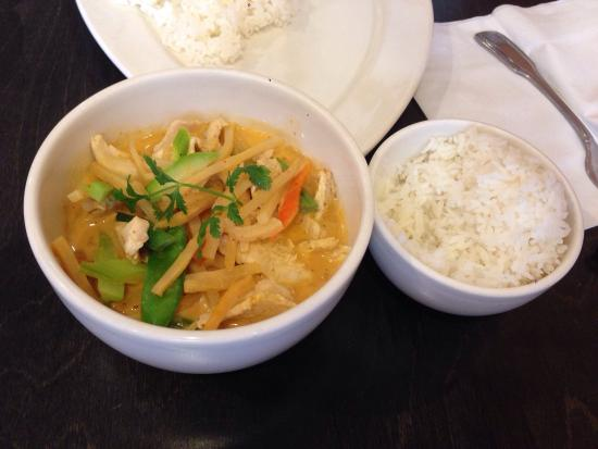 Esaan Thai Restaurant: Red Curry with Chicken & Steamed Rice