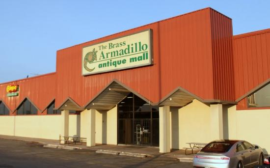 ‪Brass Armadillo Antique Mall‬