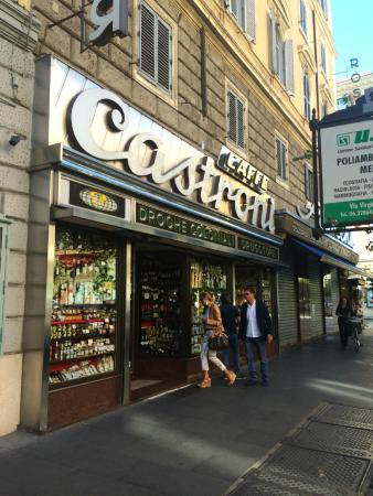 Castroni: It opens a bit later on Sunday...I was waiting around in anticipation.
