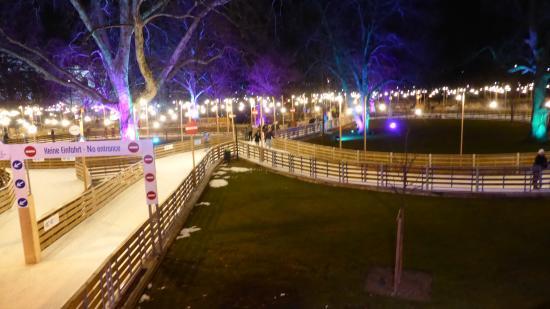 Wiener Eistraum: Meanders on through the park area....