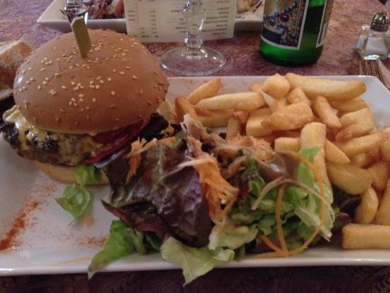 Le Belzunce : Burger maison '' excellent ''