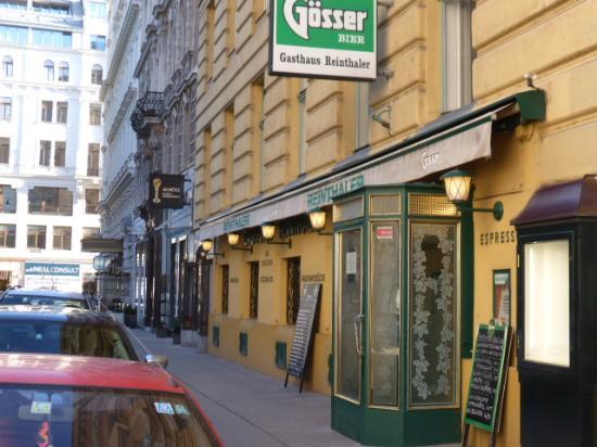Gasthaus Reinthaler: Quaint basic venue