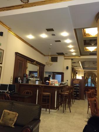 A.D. Imperial Palace Hotel Thessaloniki : Odalar çok küçük ve eski
