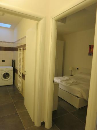Turatisette - Art Residence: Bedroom and Bathroom