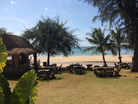 Good Days Lanta Beach Resort: .