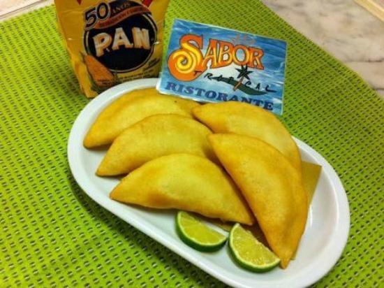 Sabor Tropical: Empanadas