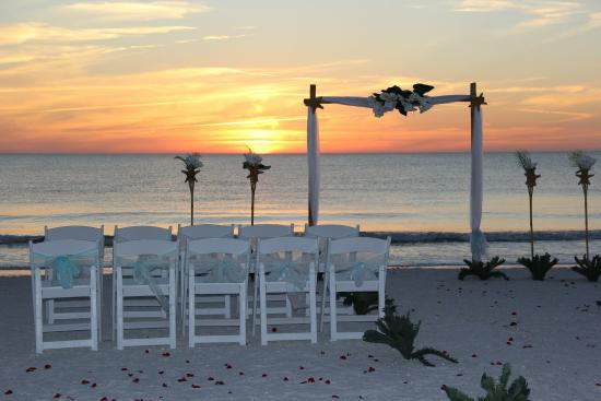 Sunset Inn Cottages Beach Weddings At The Pavilion