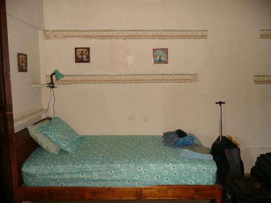 Dim's Hostal : letto singolo