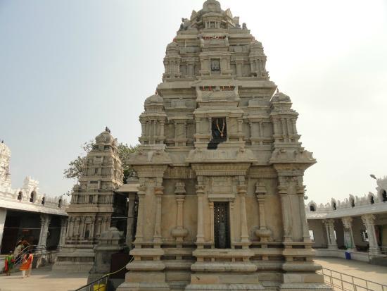 Vijayawada, India: Main temple
