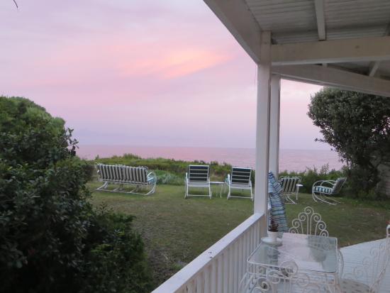 Southern Cross Beach House: Garten mit Meerblick