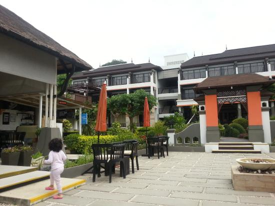 Samaya Bura: Garden