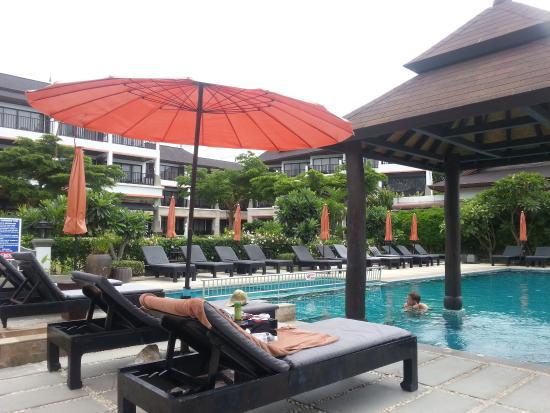 Samaya Bura: Pool